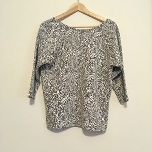 Stylish patterned top